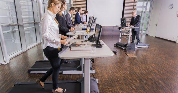 Bewegtes Büro So Vereinbart Ihr Produktivität Und Bewegung Sport